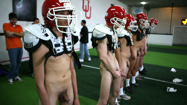 football-americain-naturiste