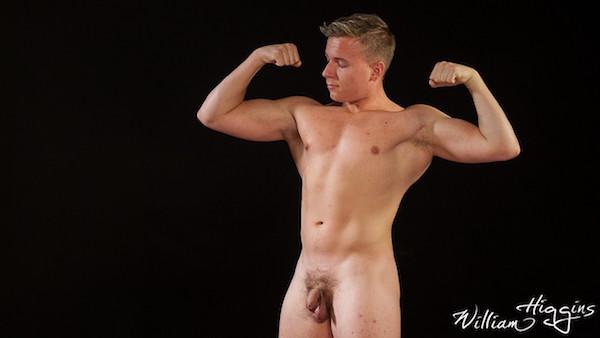 homme musclé nu