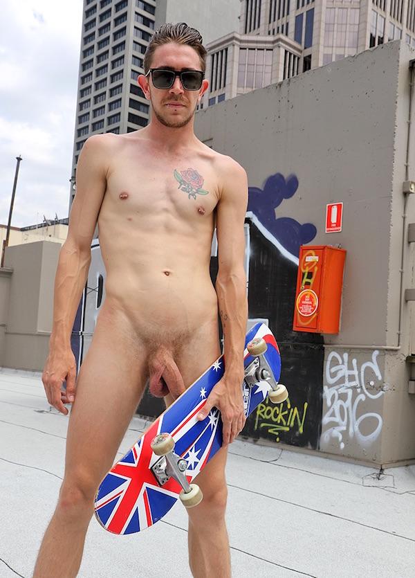 skateur naturiste gay
